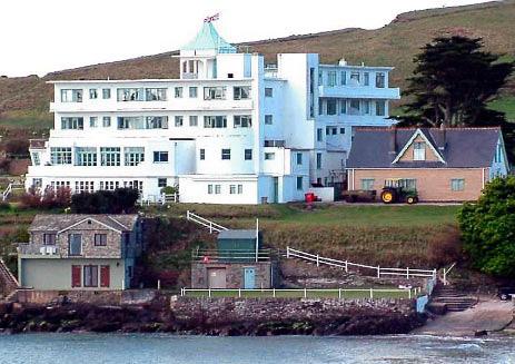 Burgh island hotel south devon england courtesy rob for Art deco hotel devon