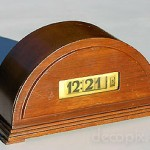 Lawson - possibly model 77, but with unusual wooden case