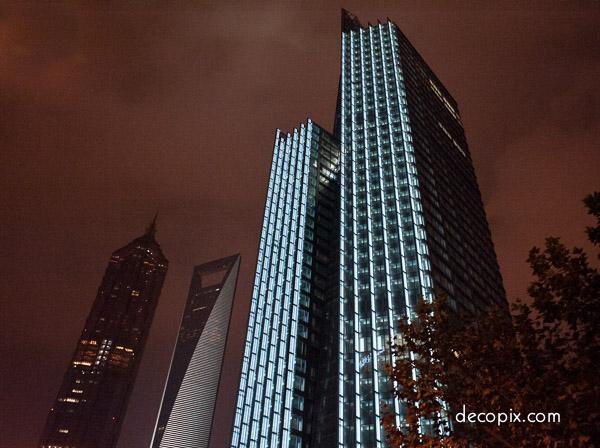 Shanghai - night (1 of 1)