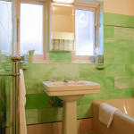 Bathroom with Green Agate Vitrolite - Melbourne, Australia